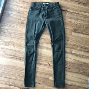 Levi's 711 olive green skinny jeans